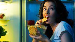 Voici ce qu'il se passe quand vous dînez et grignotez tard le