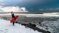 Les plus belles vagues de l'Islande sous la lentille de Chris