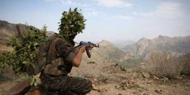 Une terroriste accompagnée de ses 3 enfants se rend aux autorités militaires à