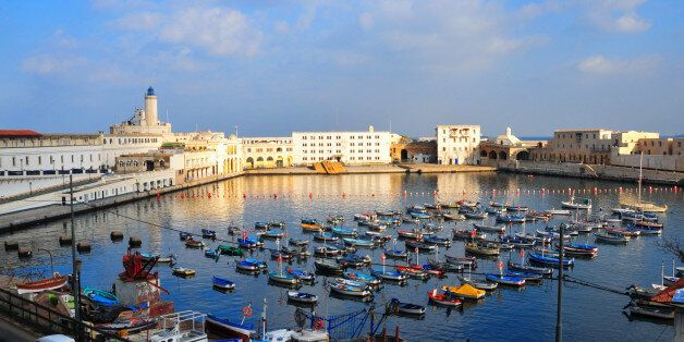 Algiers, Algeria: Admiralty basin and Fishing harbour - Peñon lighthouse - photo by