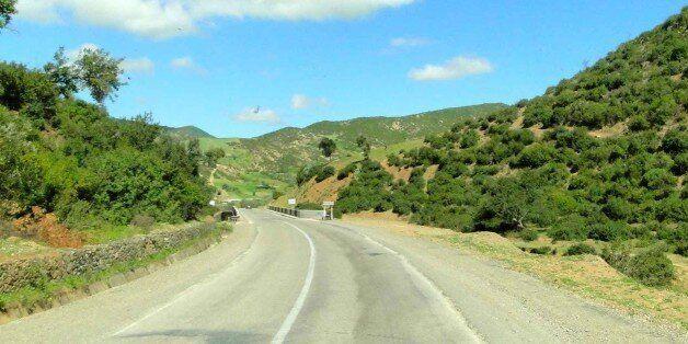 Maroc: 80 millions de dirhams pour élargir la route entre Taounate et
