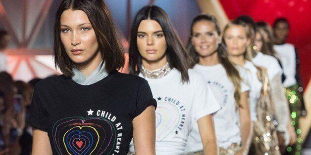 Kate Moss, Heidi Klum, Bella Hadid, Kendal Jenner... Les supermodels réunis à Cannes pour soutenir les...