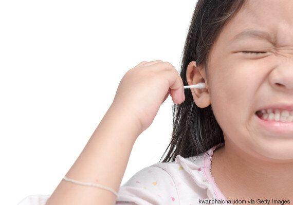Arrêtez de mettre des cotons-tiges dans vos oreilles, affirme une nouvelle