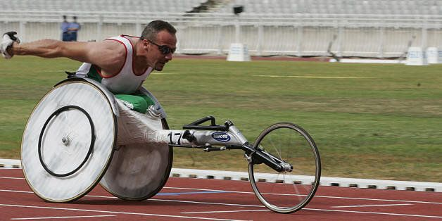 Algiers, ALGERIA: Algeria's Bouadda Mohamed races to win the gold medal 15 July 2007 in the handisport...