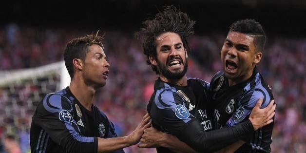 Cristiano Ronaldo, Isco et Casemiro célébrant leur qualification pour une 15ème finale de la ligue des