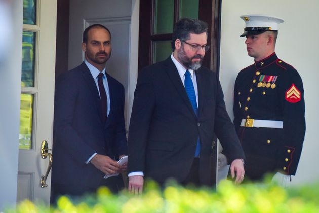 Eduardo Bolsonaro e Ernesto Araújo deixam Casa Branca após conversa com Donald Trump no...