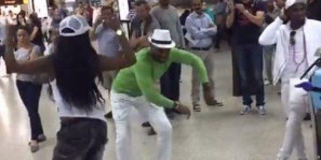 Quand des touristes mettent l'ambiance à l'aéroport Tunis-Carthage en dansant la salsa