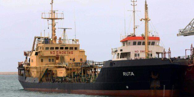 Libye: deux pétroliers et leurs cargaisons illégales