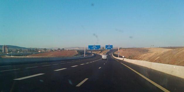 Bouira: les 6 gares de péage de l'autoroute Est-Ouest livrées au 1er semestre