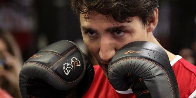 Justin Trudeau veut une revanche de sa bagarre avec Matthew Perry à l'école