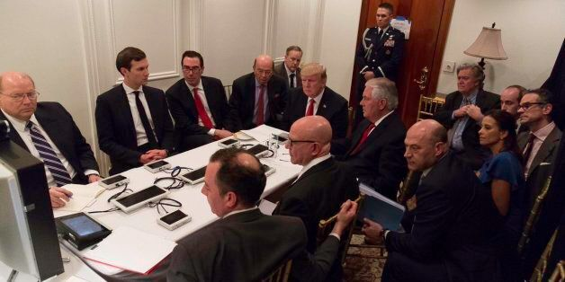 La photo de l'administration de Donald Trump pendant l'intervention américaine en Syrie en rappelle une