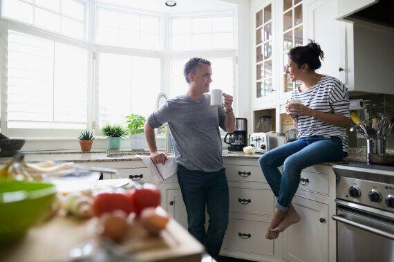 الحب وحده لايكفي وشهر العسل أسطورة.. 10 حقائق عن الزواج يجب أن يعرفها
