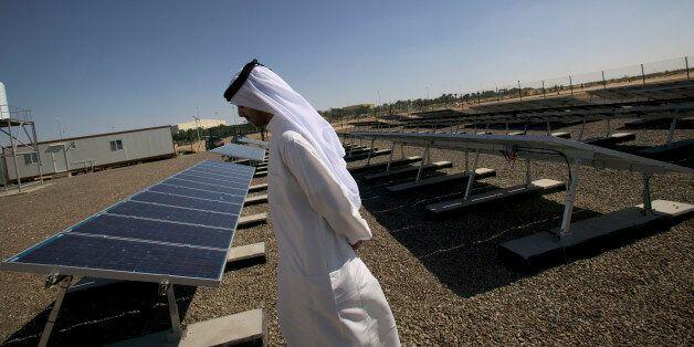 Dubaï inaugure une centrale solaire de 200