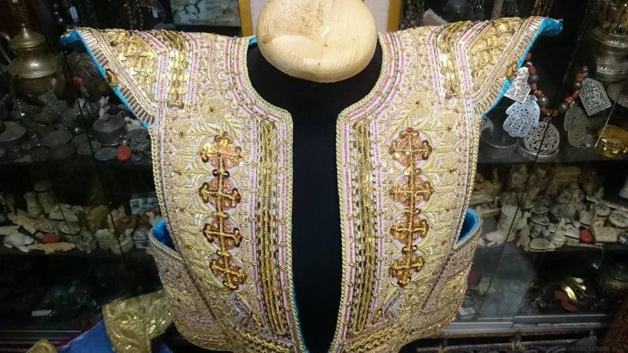 Tunisie: Cette boutique de la médina collectionne un trésor méconnu des habits traditionnels très anciens
