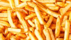 Un concours du plus gros mangeur de frites à