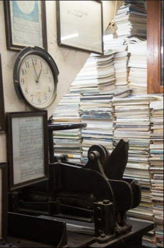 Médina- Mohamed Ben Sassi, son métier: Restaurer les vieux livres à la main