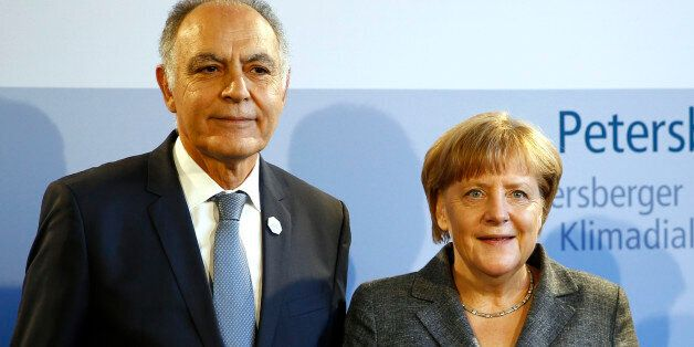 Le ministre des Affaires étrangères Salaheddine Mezouar et la chancelière allemande Angela Merkel à Berlin,...