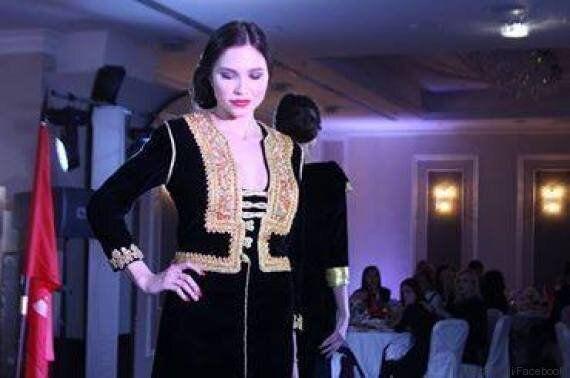 A Moscou, des Russes défilent en costumes traditionnels tunisiens