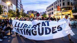 Miles de personas protestan en Cataluña por las detenciones de los