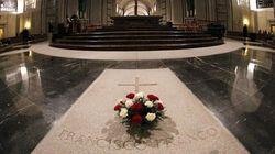El Supremo avala exhumar los restos de Franco y enterrarlos en El