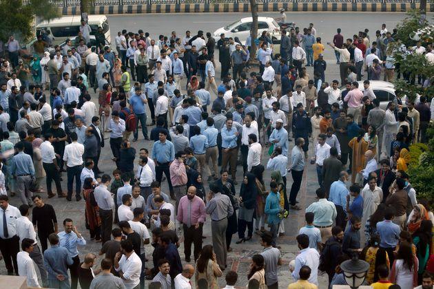 Νεκροί και τραυματίες σε σεισμό 5,2 Ρίχτερ στο