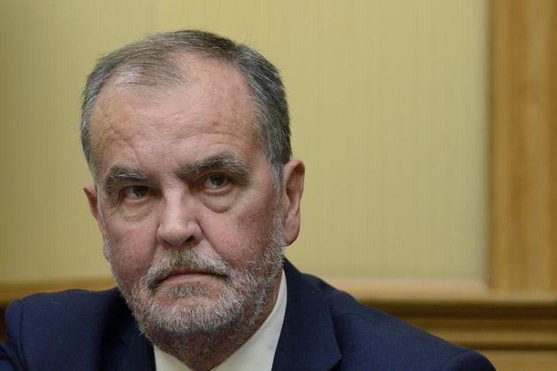Salta la seduta della Prima Commissione al Senato. Calderoli esulta: