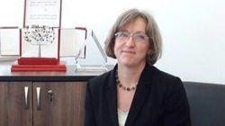 L'ambassadrice du Royaume Uni en Tunisie tente, enfin, le lablabi