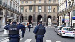 France: Un militaire en faction au Louvre ouvre le feu sur un homme qui tentait de