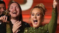 Adele a cassé son prix en deux pour le partager avec Beyoncé aux Grammy Awards
