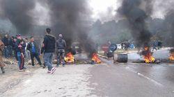 La route de Tikjda bloquée par des