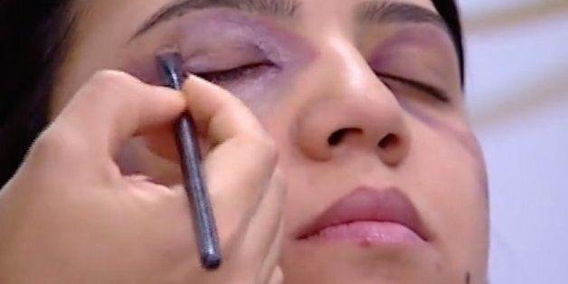 2M reçoit un avertissement après son tuto maquillage pour les femmes