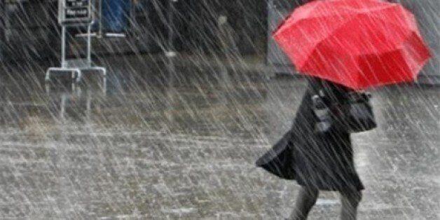 Fortes averses, rafales de vents et chutes de neige prévues jusqu'à dimanche au