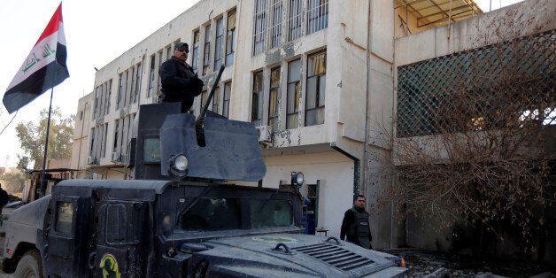 Irak: les forces spéciales délogent les terroristes de Daech de l'université de