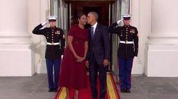 Ces deux bisous résument parfaitement la différence de style entre le couple Trump et