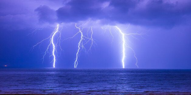 This lightning happened in Algiers Coast,