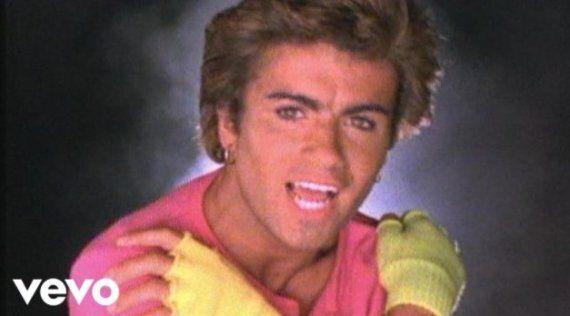 Ne vous arrêtez pas au micro short de George Michael, la mode lui doit beaucoup