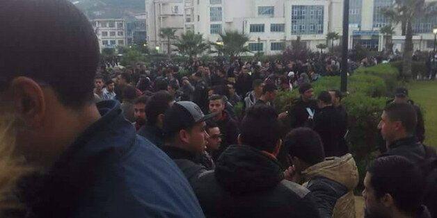 Des centaines de jeunes Skikdis empêchent la tenue du concours de recrutement de