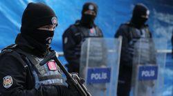 En Turquie, la chasse à l'homme se poursuit dans le flou total après l'attentat