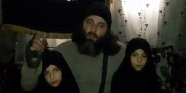 Le djihadiste syrien qui avait envoyé ses deux petites filles se faire exploser aurait été tué par ses