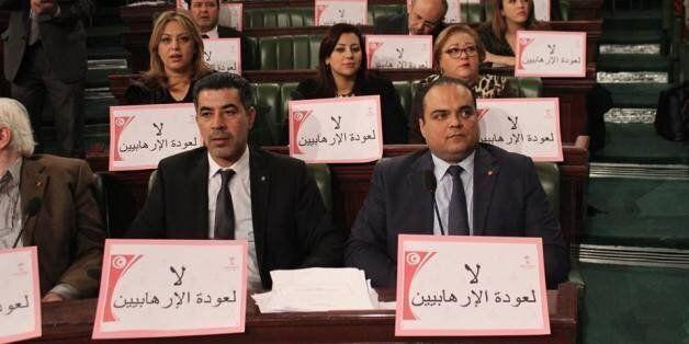Tunisie: Oubliant qu'ils détenaient l'initiative législative, les députés clament leurs idées politiques...