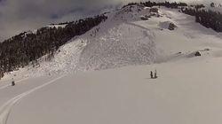 Regardez ce skieur échapper à une avalanche qu'il a