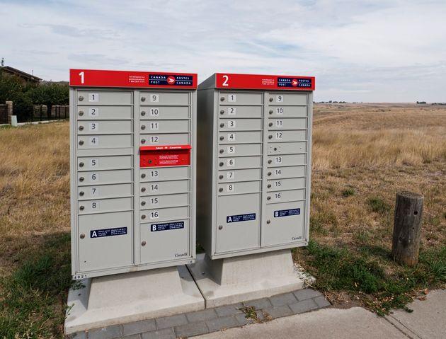 Des boîtes postales communautaires à Medicine Hat, en