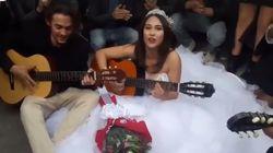 Ce couple a célébré son mariage sur l'avenue Bourguiba