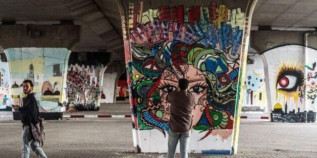 7 images de la fresque géante du Pont de la République par le photographe Hamideddine