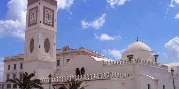 Un texte définissant la fiche technique des modèles de mosquées avant fin