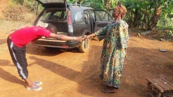 Cameroun: La façon qu'a ce ministre de saluer son président vaut le
