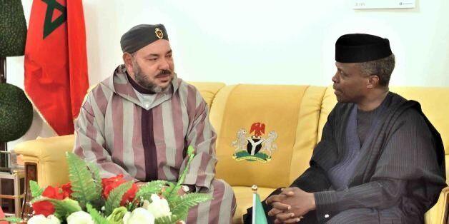 Le roi Mohammed VI et le vice-président nigérian, M. Yemi