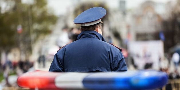 En France, l'état d'urgence est maintenu dans sa forme la plus