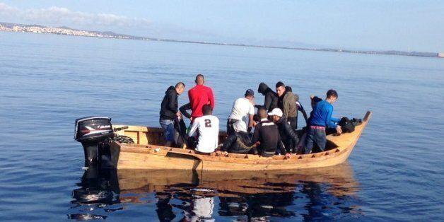 Oran: 16 candidats à l'émigration clandestine interceptés au large des