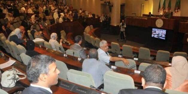PLF2017: Des députés s'opposent à la hausse des impôts